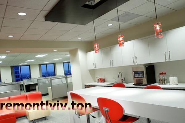 Монтаж підвісної стелі Армстронг в офісі
