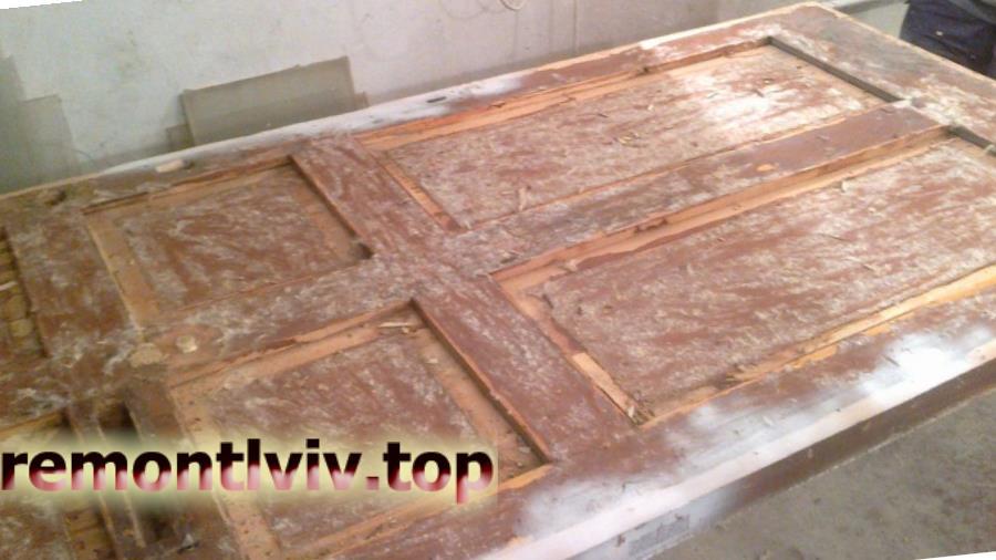 Реставрація дерев'яних дверей Львів